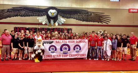 Salado High School accept its Lone Star Cup Award.